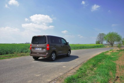 Test-Peugeot-Traveller-20-BlueHDi-150-4x4-Dangel- (20)