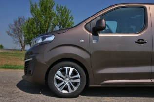 Test-Peugeot-Traveller-20-BlueHDi-150-4x4-Dangel- (22)