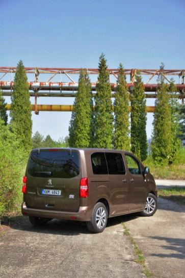 Test-Peugeot-Traveller-20-BlueHDi-150-4x4-Dangel- (6)