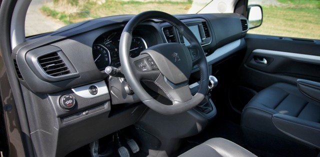 Test Peugeot Traveller 2.0 BlueHDi 150 4×4 Dangel
