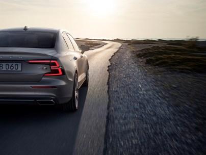 2019-Volvo-S60- (10)