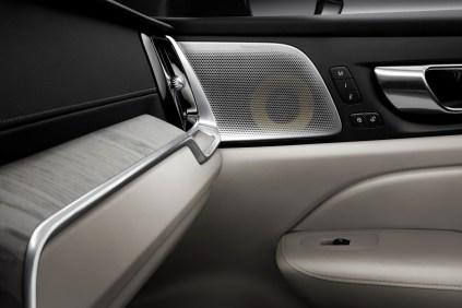 2019-Volvo-S60- (25)
