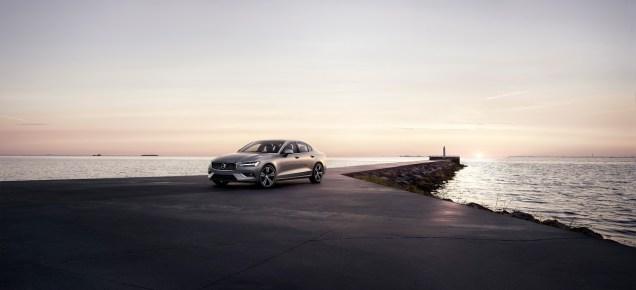 2019-Volvo-S60- (4)