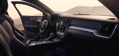 2019-Volvo-S60- (50)