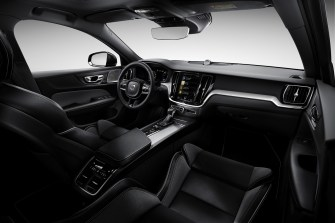 2019-Volvo-S60- (87)