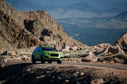 Bentley Bentayga - Pikes Peak