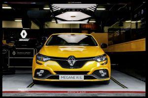 Francouzské kladivo na okruhy. Renault představil Mégane R.S. Trophy