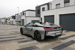 test-bmw-i8-roadster-60