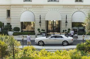 rolls-royce-ghost-surf-na-strese-5