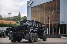land-rover-defender-6x6-pick-up-2