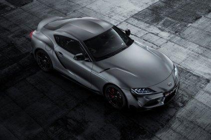 2020-Toyota-Supra-seda- (1)