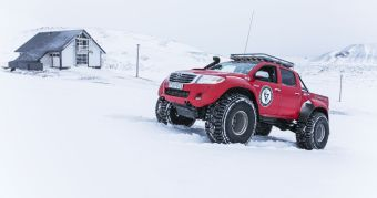 Nokian_Hakkapelitta_44-Arctic_Trucks-expedice-Gronsko-Expeditions7- (1)