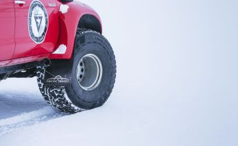 Nokian_Hakkapelitta_44-Arctic_Trucks-expedice-Gronsko-Expeditions7- (6)
