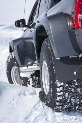 Nokian_Hakkapelitta_44-Arctic_Trucks-expedice-Gronsko-Expeditions7- (7)