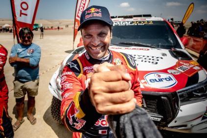 rallye-dakar-2019-po-10-etape-na-konci-dakaru-toyota-gazzoo-racing-Nasser-Al-Attiyah- (9)