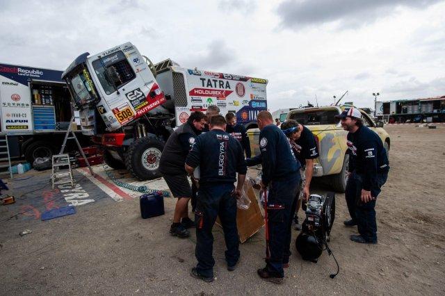 rallye-dakar-2019-po-volnem-dnu-tatra-buggyra-racing- (2)