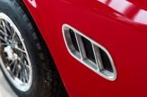 slapaci-auticko-Aston-Martin-Drophead-Coupe-a-Ferrari-250-GT-California-Spyder-na-prodej- (13)