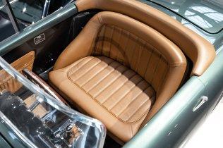 slapaci-auticko-Aston-Martin-Drophead-Coupe-a-Ferrari-250-GT-California-Spyder-na-prodej- (22)