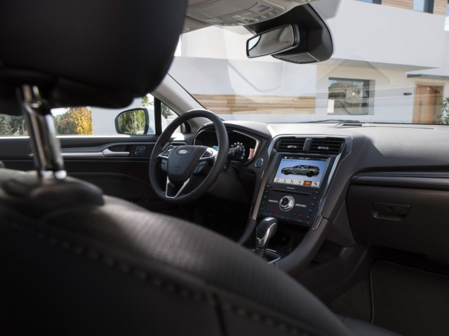 2019-Ford-Mondeo-Hybrid- (4)
