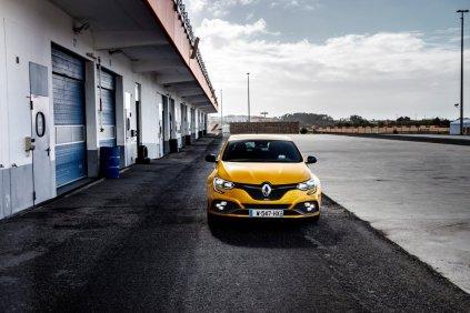 2019_Renault_MEGANE_IV_R_S_TROPHY- (1)