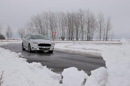 test-2018-ford-mondeo-20-tdci-180k-awd-6powershift- (1)