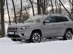 test-2019-jeep-cherokee-22-multijet-200k-4x4-at