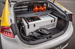 Hyundai-IONIQ-Mobile-Charger- (2)