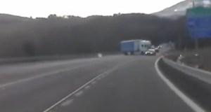 kamion-otaci-se-video