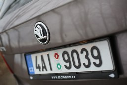 test-ojetiny-2014-skoda-superb-combi-20-tdi-103-kw-4x4-6MT- (11)