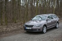 test-ojetiny-2014-skoda-superb-combi-20-tdi-103-kw-4x4-6MT- (3)