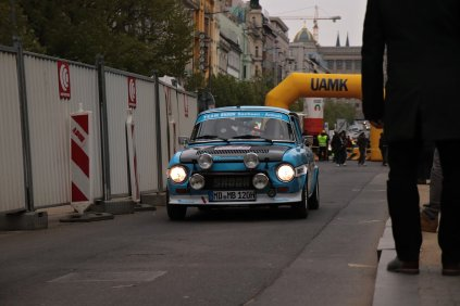 2019-duben-rallye-prague-revival-start-vaclavske-namesti- (33)