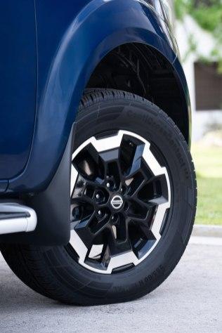 2019-Nissan-Navara-FL- (15)