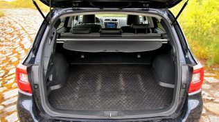 test-2019-subaru-outback-es-edition-x-25-lineartronic- (45)