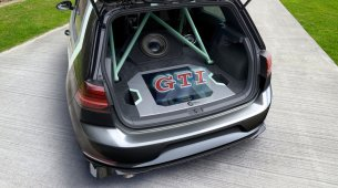 The free-floating logo welcomes fans to the GTI meeting at Lake Wörth at the end of May 2019.