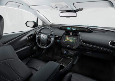 2019-Toyota-Prius-Plug-in- (5)