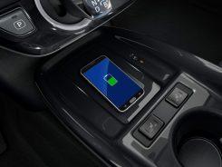 2019-Toyota-Prius-Plug-in- (8)