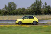 2020-elektromobil-honda-e- (3)