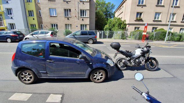honda-cbr500r-citroen-c2-nehoda-03