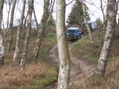 mercedes-benz-g-63-amg-suzuki-jimny-off-road-video