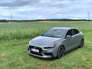 test-2019-hyundai-i30-fastback-n-performance- (11)