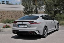 test-2019-kia-stinger-gt-v6-33-t-gdi-8at-4x4- (15)