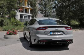 test-2019-kia-stinger-gt-v6-33-t-gdi-8at-4x4- (17)