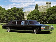 1989_Dillinger-Gaines_Cadillac_Trump_Golden_Series_Limousine