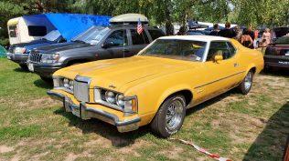 2019-sraz-americkych-aut-hradecka-V8- (112)