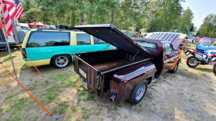 2019-sraz-americkych-aut-hradecka-V8- (93)