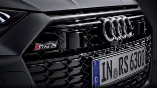 2020-Audi-RS6-Avant-C8- (4)