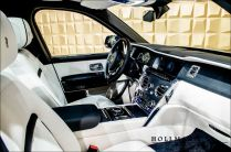 rolls-royce-cullinan-billionaire-mansory-tuning-prodej- (17)