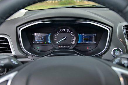 test-2019-ford-mondeo-kombi-hybrid- (24)