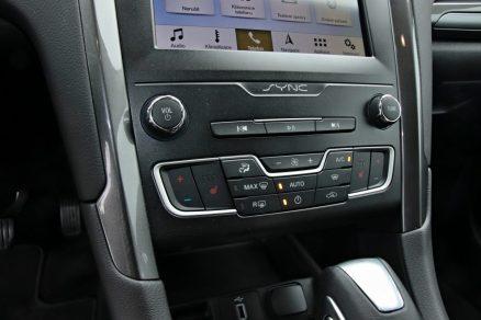 test-2019-ford-mondeo-kombi-hybrid- (26)