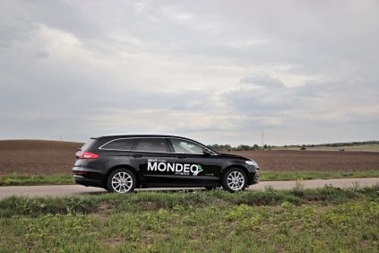 test-2019-ford-mondeo-kombi-hybrid- (9)